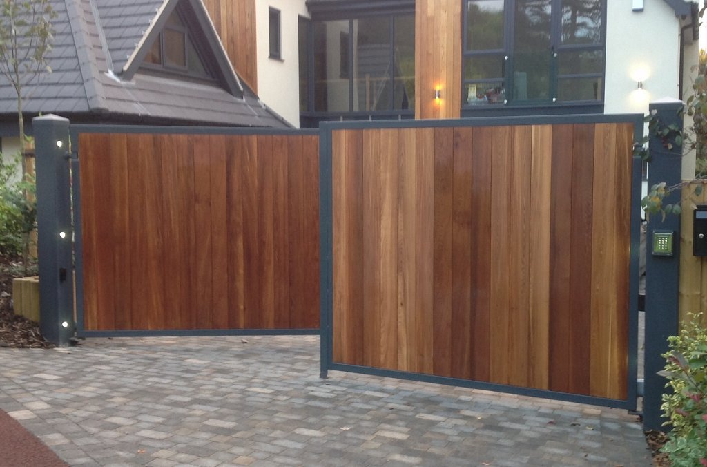 Stunning automated gate with cedar infill and bespoke lighting