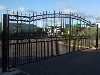 8 metres double gates