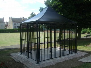 Seating area, galvanised and powder coated
